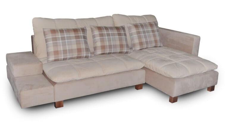 Обивка для дивана из ткани софт делает мебель популярной из-за приятной к телу материала