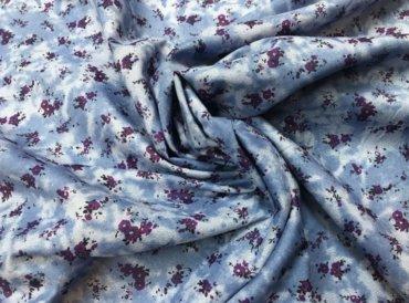 Цветочный рисунок на штапельной ткани