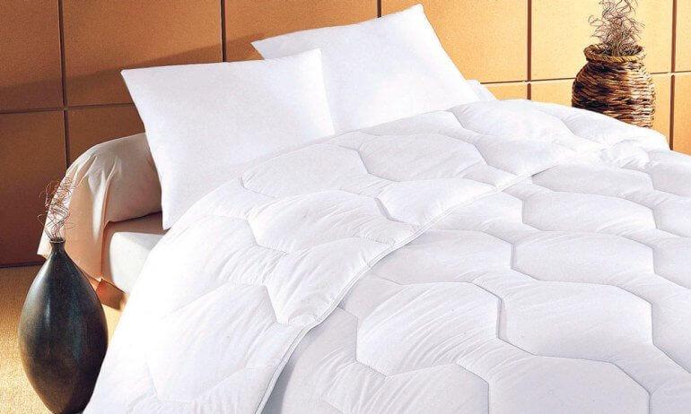 Лиоцелловый наполнитель для подушек и одеял считается одним из самых безопасных для здорового сна