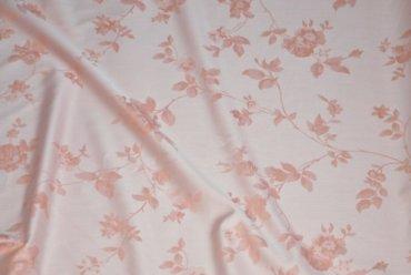 бледно-розовые цветы
